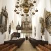 Gennem kirken mod hovedorglet